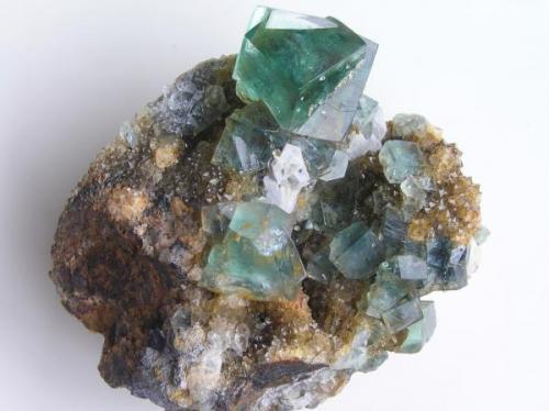 Fluorita c/Galena s/Cuarzo. Heights Quarry, Weardale, Co. Durham., UK. Pieza de 6,3x5x3 cm, con cristales de Fluorita hasta 1,5 cm. de arista. Col. y foto Nacho Gaspar. (Autor: Nacho)