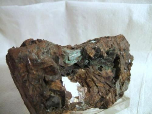 calcostibita lanteira granada cristal de 1cm.jpg (Autor: Nieves)