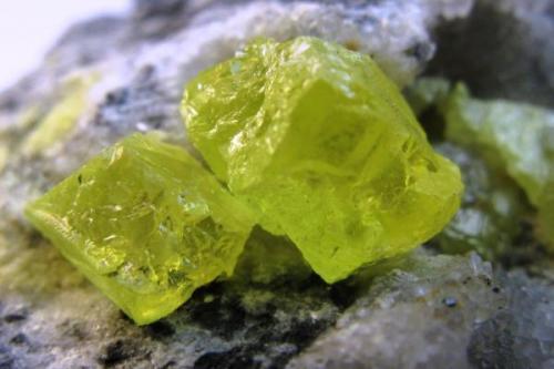 Azufre. Laredo. Cantabria. Cristal de 10 mm. (Autor: Jose Luis Otero)
