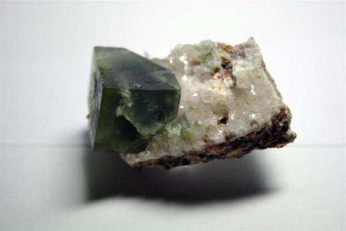 Fluorita. Cubo 2,4cm arista. Minas de Sant Marçal, Montseny, Barcelona (Autor: Sergio)