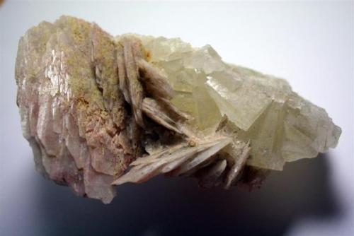 Barita con fluorita. 15x7cm. Minas de Sant Marçal, Montseny, Barcelona (Autor: Sergio)