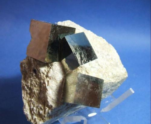 Pirita navajun la Rioja cristales de 3cm.jpg (Autor: Nieves)