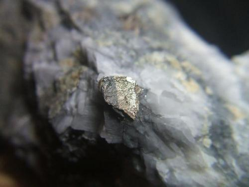 Bismuto mina Conchita Estepona Málaga, cristal 8mm (Autor: Nieves)