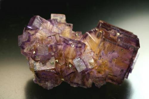 """Otro clásico, esta vez de la famosa mina """"Denton"""", en el distrito minero de Kentucky-Illinois, dicha explotación perteneció a la compañía Ozark-Mahoning y su laboreo duró hasta 1993. Arista del cristal mayor 4,5 cm. Foto: J. R. García (Autor: JRG)"""