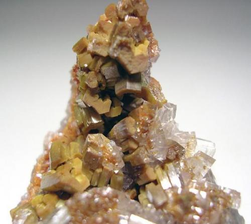4011-Vanadinite and calcite, Mina Apex, San Carlos, Chihuahua, Mexico, detalle. (Autor: Edelmin)