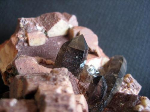 Detalle de cristal de cuarzo ahumado, 6-7 cm. (Autor: usoz)
