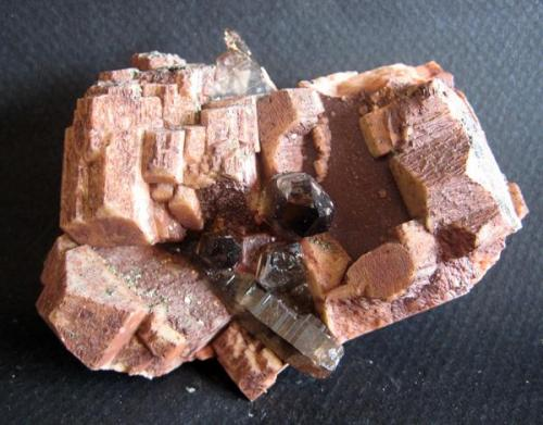 Ortosa (o microclina?) de la Cantera Cillarga 2668, O Confurco, Ponteareas (pontevedra). 18 cm. Año 2009 (Autor: usoz)