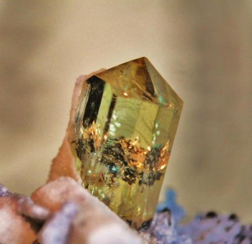 Apatito Mina la Celia, Jumilla, Murcia, Región de Murcia, España. cristal 1 cm (Autor: Nieves)