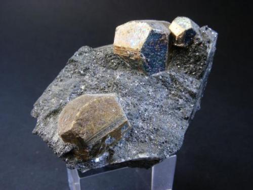 Pirita<br />Minas de Cala, Cala, Comarca Sierra de Huelva, Huelva, Andalucía, España<br />Pieza: 4 x 4 cm. Cristal mayor: 12 mm.<br /> (Autor: Juan Cabezas)