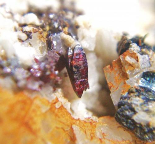 Anatasa<br />Canteras de Mármol, Macael, Almería, Andalucía, España<br />Cristal 5 mm.<br /> (Autor: Nieves)