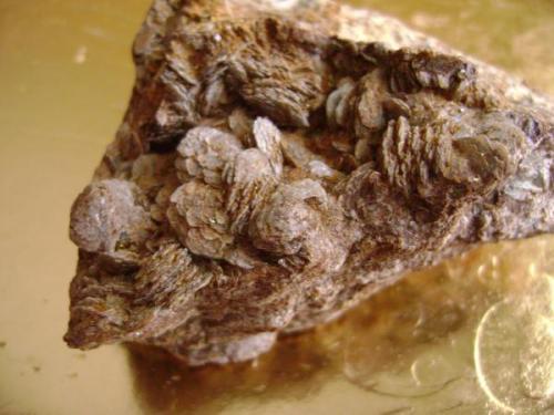 Siderita y calcopirita, 6 X 6 X 4 cm.  El Borracho, Garlitos, Badajoz. (Autor: apita)