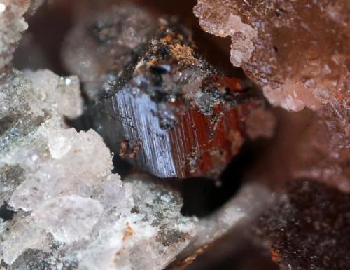 Cristal de 3 mm de anatasa. Cillarga, Pontareas. (Pontevedra) (Autor: usoz)