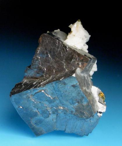 GALENA con dolomita y siderita. Mina Troya-Multiloa-Guipuzcoa. Pieza; 4,2x3,6cm. Cristal; 3,3cm. (Autor: DAni)