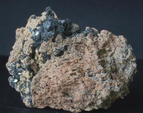 Hematites (Oligisto micaceo) en matriz de Jumillita - Mina Nuestra Señora del Carmen, La Celia, Jumilla, Murcia, España Medidas: 7x5,5x3 cms (Autor: Joan Martinez Bruguera)