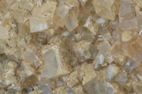 Fluorita (detalle) - Mines Sant Marçal, Viladrau, Montseny, Osona, Girona, Catalunya, España Medidas. 10,5x8x3,5 cms (Autor: Joan Martinez Bruguera)