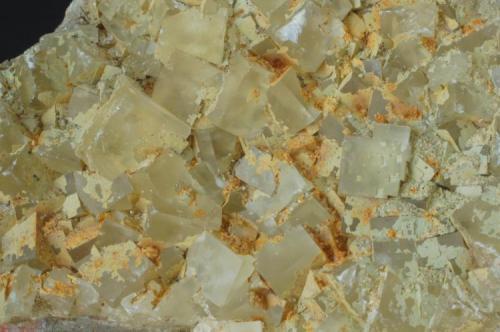 Fluorita con Limonita (detalle) - Mines de Sant Marçal, Viladrau, Montseny, Osona, Girona, Catalunya, España Medidas: 7x6,5x4 cms (Autor: Joan Martinez Bruguera)