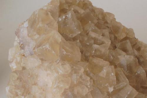 Fluorita (primer detalle) - Mines de Sant Marçal, Viladrau, Montseny, Osona, Girona, Catalunya, España Medidas. 8,5x6x4 cms (Autor: Joan Martinez Bruguera)