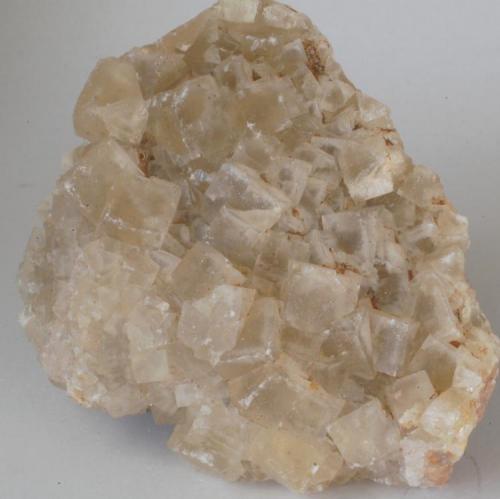 Fluorita - Mines de Sant Marçal, Viladrau, Montseny, Osona, Girona, Catalunya, España Medidas. 8,5x6x4 cms (Autor: Joan Martinez Bruguera)
