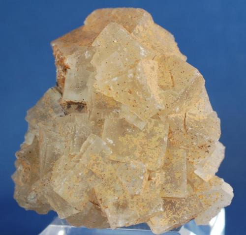Fluorita - Mines de Sant Marçal, Viladrau, Montseny, Osona, Girona, Catalunya, España Medidas: 5 x 3,5 x 2 cms (Autor: Joan Martinez Bruguera)