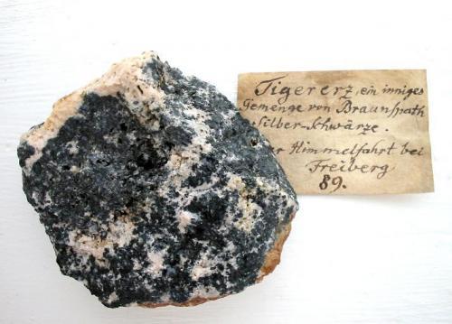 """Tigererz"" - ankerite with minor intergrown argentite: 8,5 cm sample from Himmelfahrt mine, Freiberg, Saxony. (Author: Andreas Gerstenberg)"