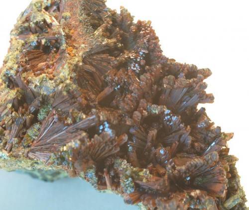 Epidota  Casterner de les Olles - Serra de Sant Gervàs - Tremp - Lleida - Catalunya - España Medidas: 65 x 55 x 50 mm (Autor: Joan Martinez Bruguera)
