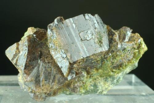 Axinita-(Fe) Casterner de les Olles - Serra de Sant Gervàs - Tremp - Lleida - Catalunya -España 35 x 20 x 15 mm (Autor: Joan Martinez Bruguera)