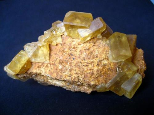 Baryte Baryte occurrences, Châtelguyon, Puy-de-Dôme, Auvergne, France 75 x 40 x 30 mm (Author: Tobi)