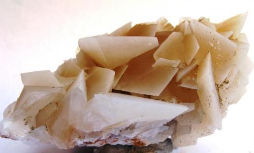Calcita. Canteras de Marmol de Estremoz. Évora. Alentejo. Portugal. Tamaño: 9x4.5 cm. (Autor: Jose Luis Otero)