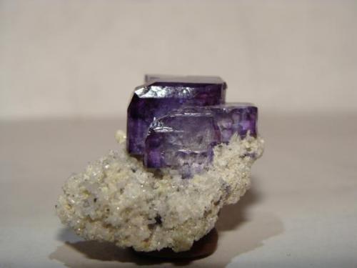 La mayoria de las piezas de este tipo salieron muy pequeñas, esta mide 4.5 cm, pero de un color hermoso y un brillo espectacular (Autor: javmex2)