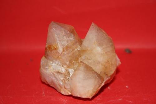 Cuarzo. El Berrueco, Madrid. Cristales de 5*3 cm. cada uno (Autor: jose manuel gomez)