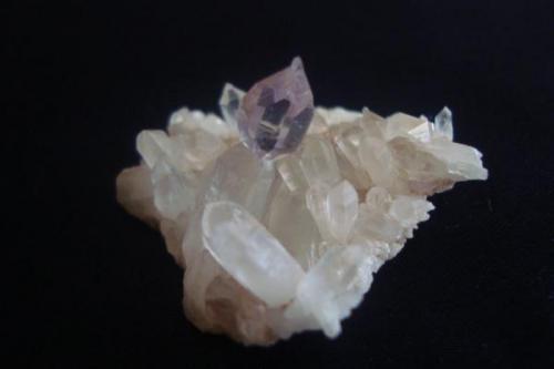 Cuarzo cetro amatista, medida: 5.5 cm x 3 cm. (Autor: javmex2)
