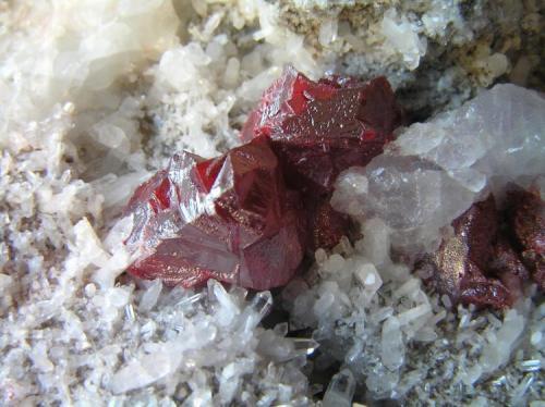 Cinabrio Mina Escarlati, Pto. De Las Señales, Maraña, León, Castilla y León, España 9,5x5,5x4 cm. Detalle cristales hasta 1,4 cm.  Col. y foto Nacho Gaspar. (Autor: Nacho)