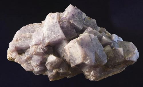 Fluorita Mina Rosita, Colmenar del Arroyo, Madrid, España 6,5 cm X 3,5 cm Cristal mayor de 16 mm (Autor: MMorales)