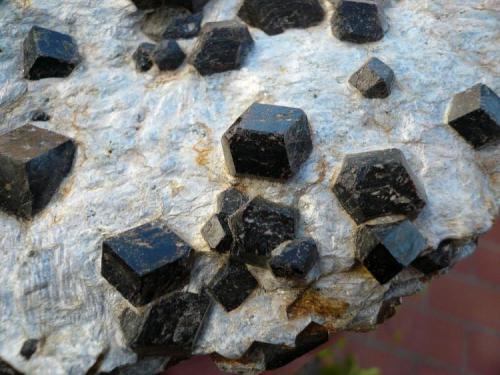 Almandino (granate) Buvinakken, Buvika,Sorfold,Nordland, Noruega. 13x10 cm (Autor: nerofis2)
