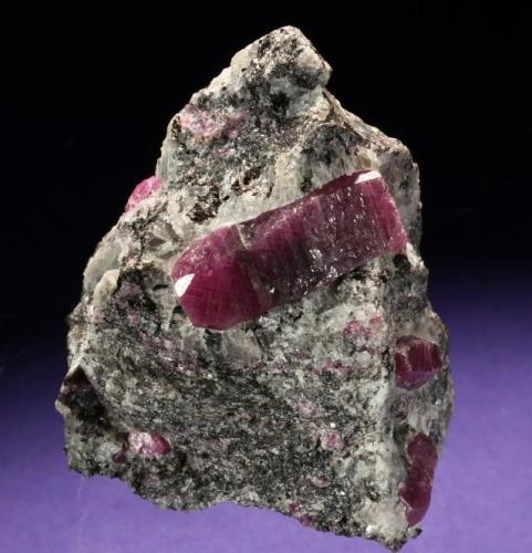 Corundum var. Ruby Mysore District, Karnataka, India 50 x 45 x 40 mm, main crystal 25 mm long (Photo © by vendor and previous owner Klaus Krause) (Author: Tobi)