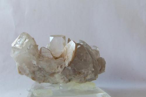 Topacio  Shigar Valley, Pakistán Cristal principal: 1,3 cm. (Autor: joaquin cabezudo)