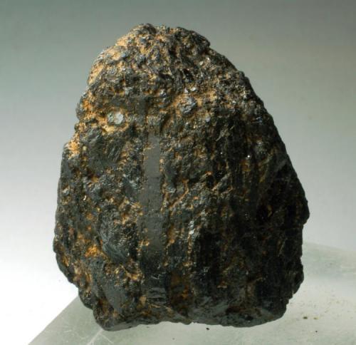 Augita Volcà Roca Negra - Santa Pau - La Garrotxa - Girona - Catalunya - España 32 x 30 x 22 mm (Autor: Joan Martinez Bruguera)
