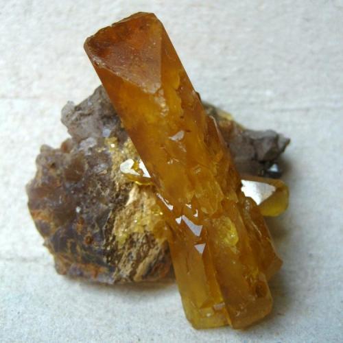 Baryte Pöhla, Erzgebirge, Saxony, Germany Size of the double-terminated crystal 40 mm  (Author: Tobi)
