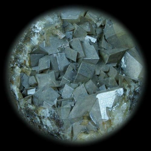 Dolomita Corta Castilla, Setiles, Guadalajara, España 6x6 cm. Tamaño del cristal (Crystal Size): 1 cm. Col. & Fot. Juan Hernandez. Recogido en Julio de 2007 (Collected in July of 2007). (Autor: supertxango)