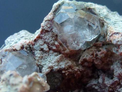 Analcima Mina Gilico, Baños de Gilico/Calasparra, Murcia, España 3 x 2 cm, El cristal mayor 0,3 cm. (Autor: javier ruiz martin)