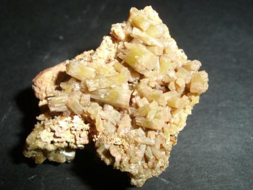 Piromorfita Mina Resuperferolítica, Santa Eufemia, Córdoba, Andalucía, España 3.7 x 3.1 x 2.2 cm (Autor: Daniel Olivares)