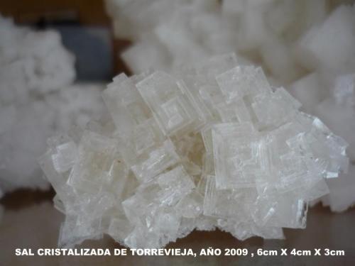 Sal cristalizada Torrevieja-Alicante-Comunidad de Valencia-España 6 cm x 4 cm x3 cm (Autor: Tomas Ruiz de Arbulo Saez)