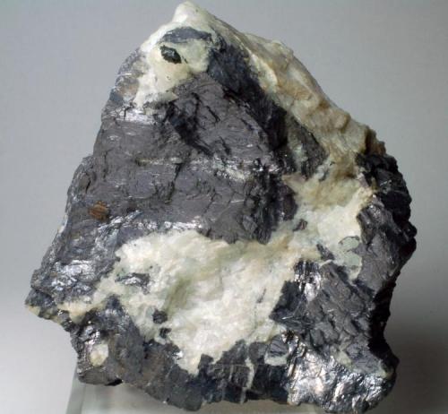 Fluorita masiva con Galena Mines d'Osor - La Selva - Girona - Catalunya - España 90 x 70 x 50 mm (Autor: Joan Martinez Bruguera)