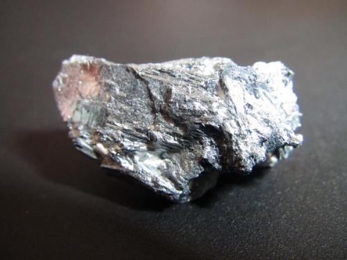 Estibina China 3 cm. de longitud Agregado de cristales estriados de hábito planar. (Autor: prcantos)