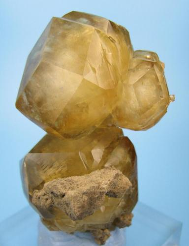 Calcite Berry Materials Corp quarry, North Vernon Plant, NE edge of North Vernon, Jennings Co., Indiana, USA 70 mm x 40 mm x 35 mm (Author: Carles Millan)