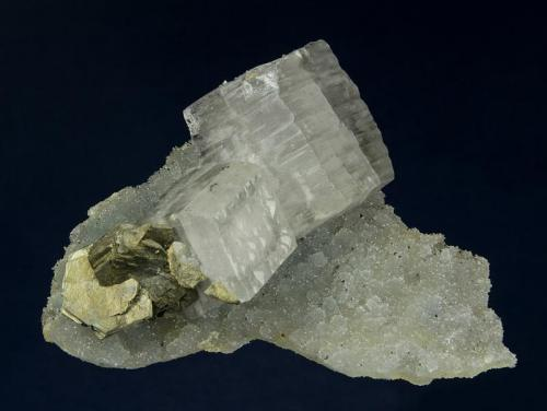 Barite with Pyrrhotite Hecla Rosebud Mine, Rosebud District, Sulphur, Pershing County, Nevada, USA 7.0 x 6.0 x 3.5 cm (Author: GneissWare)