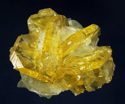 Barite on Calcite Meikle Mine, Bootstrap District, near Carlin, Elko County, Nevada 9.1 x 8.2 x 5.4 cm 1375 Level, Rustbucket Cavern (Author: GneissWare)