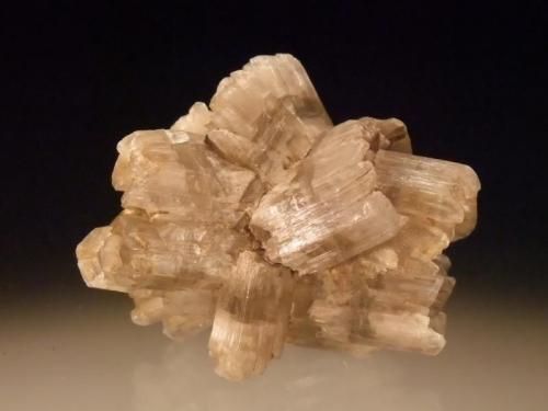 Gypsum Bannockburn, Otago, New Zealand 5x4 cm (Author: Greg Lilly)
