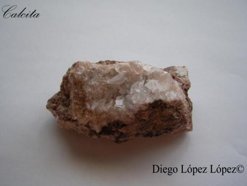 Calcita Mina San Salvador , Aldea Moret , Cáceres , Extremadura, España largo 7 cm , alto 4 cm , ancho  3.5 cm (Autor: DiegoToledo)