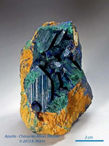 Azurite Chessy, Rhône, France 8 cm high with pseudomorphose in malachite (Author: Roger Warin)